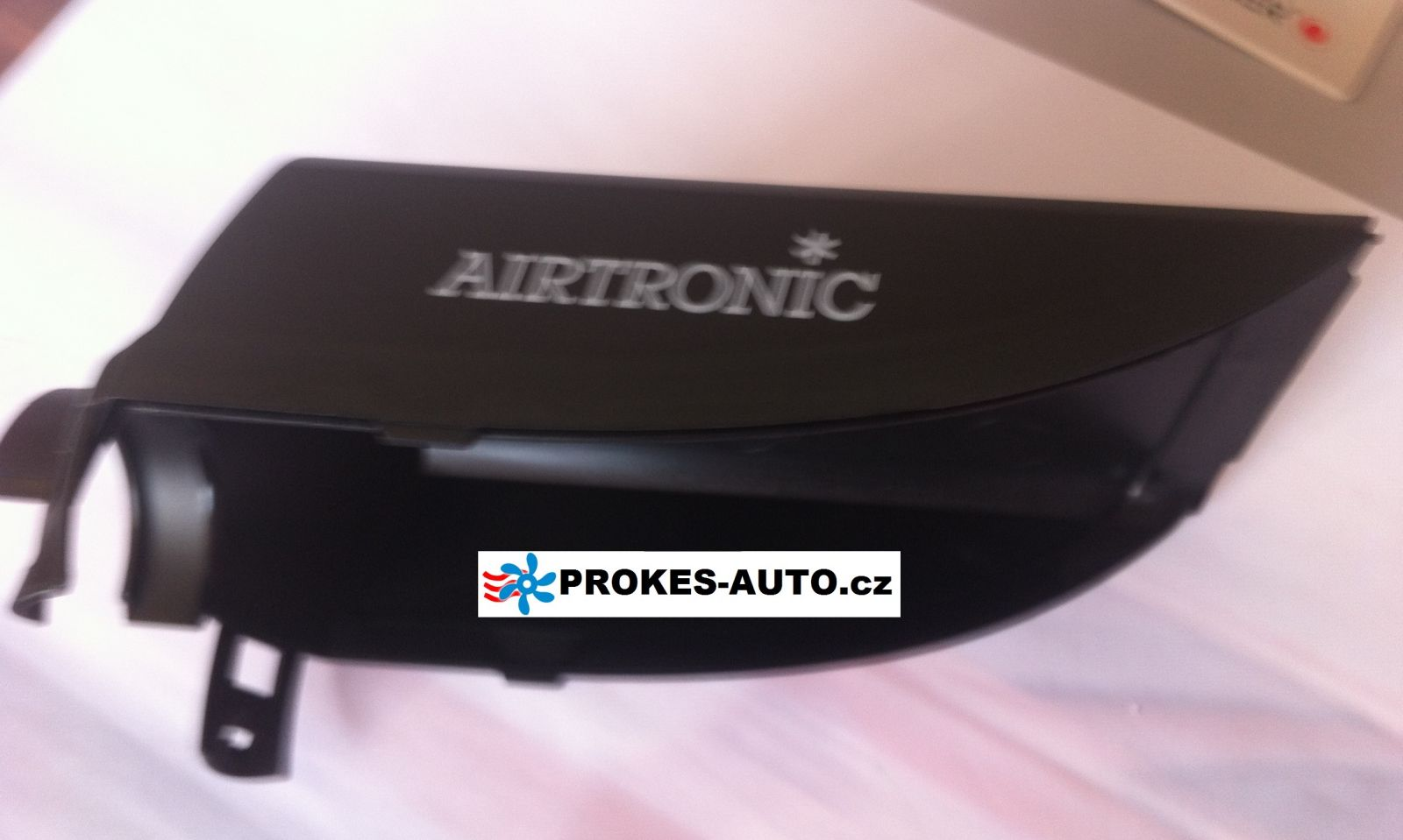 Kryt horný plastový AIRTRONIC D2 252069010600 Eberspächer